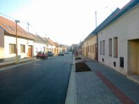 Dopravní stavby včetně zemních prací-výstavba silnic, chodníků, parkoviště