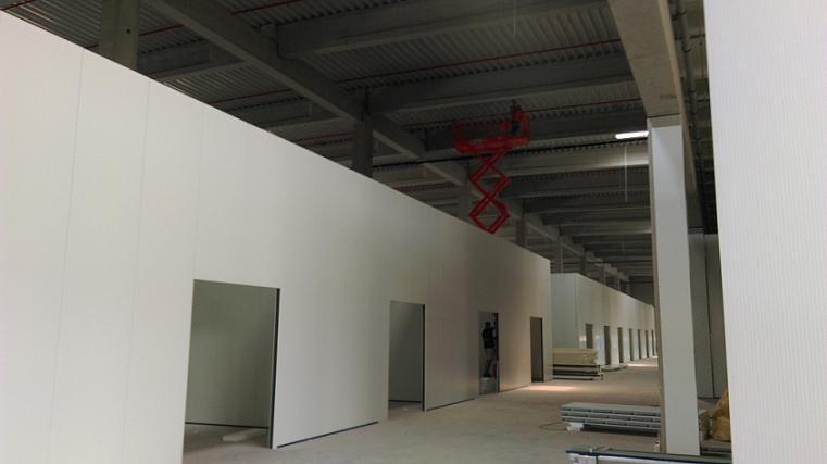 Ocelové konstrukce, montáže hal, opláštění budov Dačice