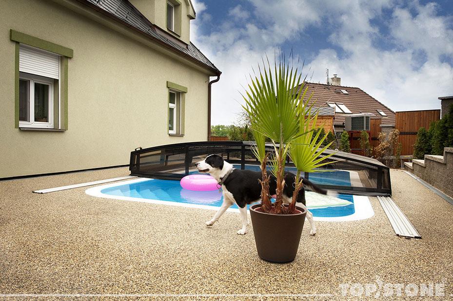 Obklady, dlažby a podlahy kolem bazénů