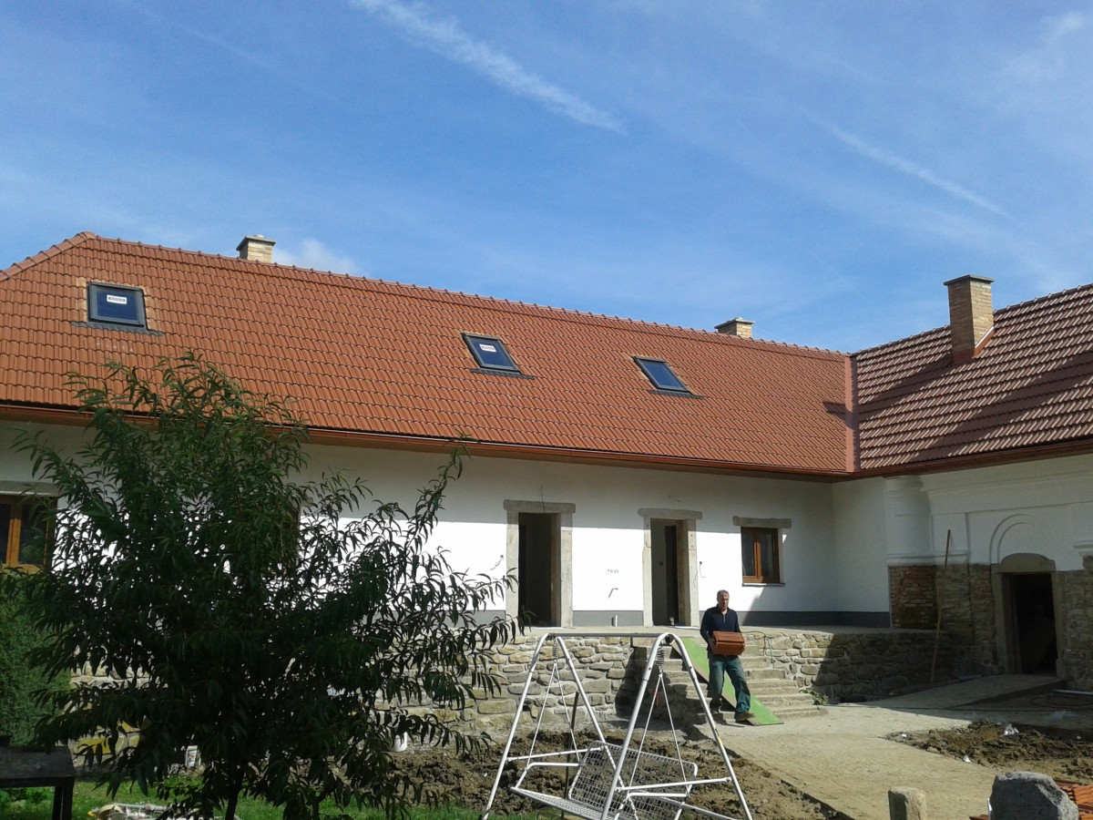 Klempíř, pokrývač, tesař - zhotovení střechy, prodej střešních krytin