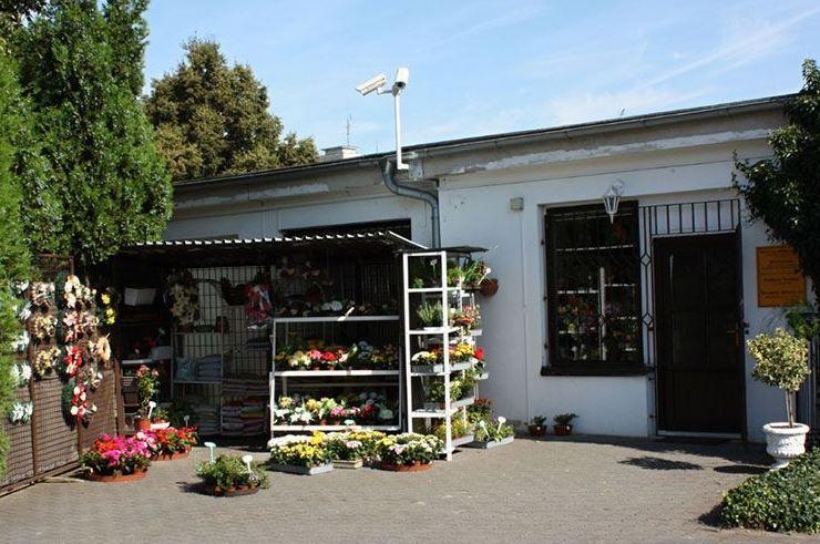 Pohřební ústav Litoměřice - zařízení pohřbu, vazba květin, mezinárodní převozy, potisk stuh