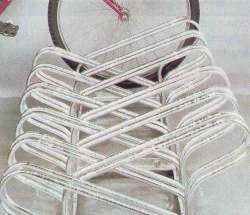 Výroba stojanů na jízdní kola pro exteriéry s povrchovou úpravou žárovým pozinkováním
