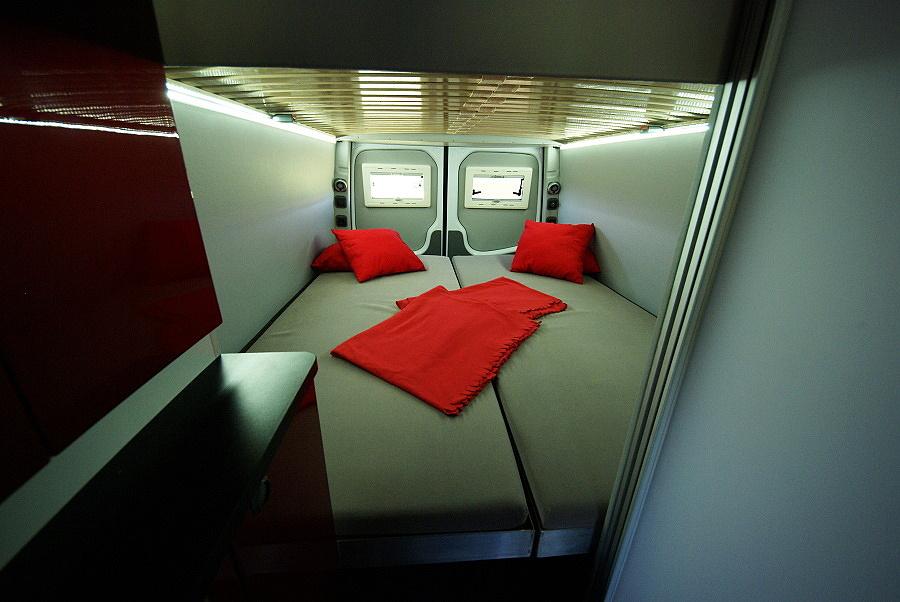 Provedení Sportissimo XXL s odklápěcí postelí