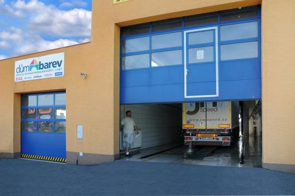 Kvalitní, odolná průmyslová vrata do těžkých provozů, s bezpečnostním rizikem