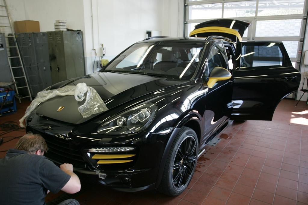 Částečný polep auta, karoserie folií-ochrana laku vozidla před poškrábáním