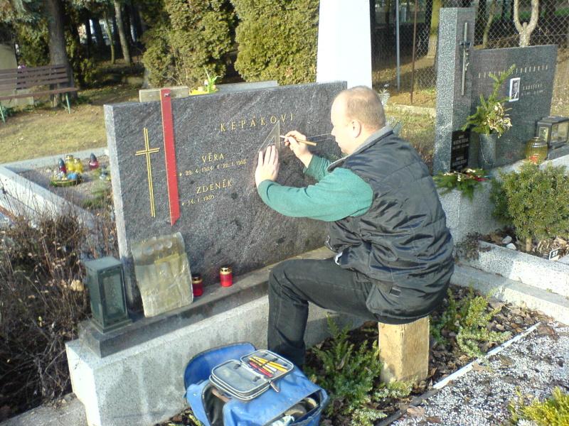 Opravy pomníků na místě, kameník - hroby, nápisy,  Brno