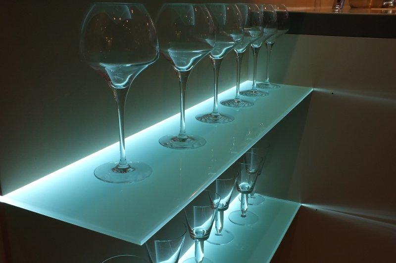 Desky do kuchyně ze skla