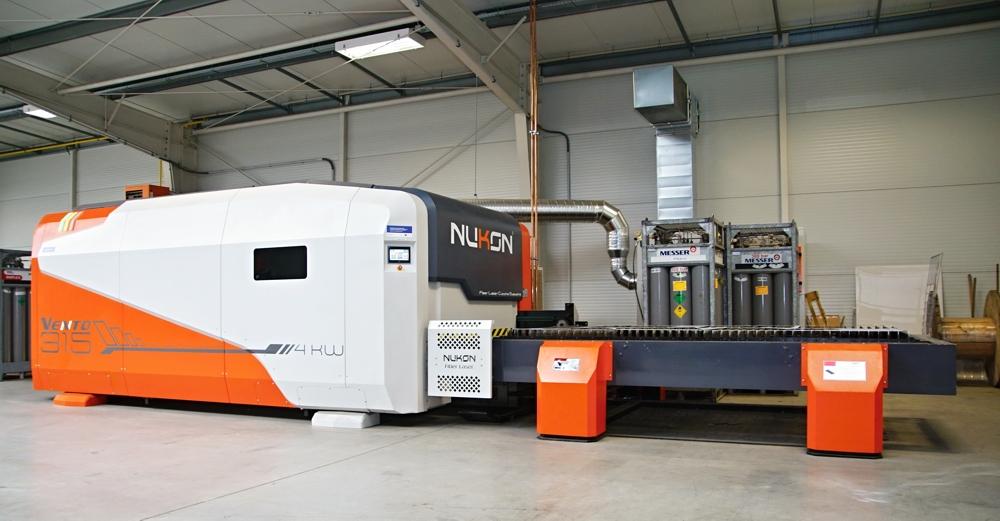 Zpracování plechů na CNC tvářecích strojích-CNC tabulové nůžky, řezací centrum