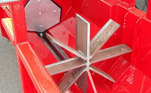 Výroba automatických mobilních štípačů dřeva na palivové dříví