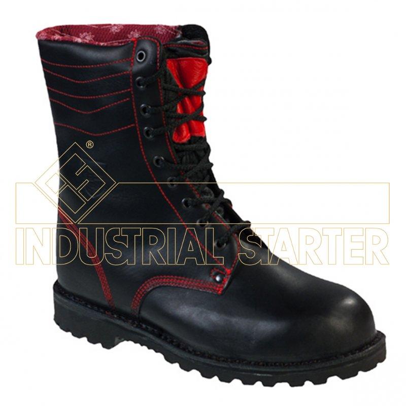 Pracovní boty, holínky, polobotky – bezpečnostní a ochranná obuv mnoha druhů