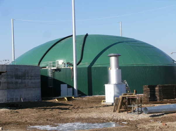 Výroba a dodávky ocelových i membránových plynojemů
