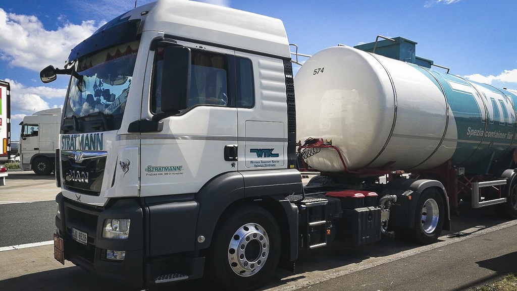 Transport of liquids, international road transport ADR, the Czech Republic