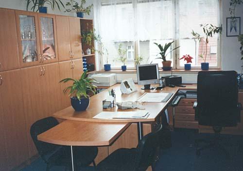 Kvalitní dřevěný nábytek na míru pro domácnost, hotel i kancelář