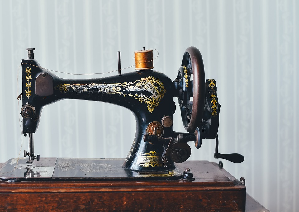 Šití dek a přikrývek na zakázku a drobné opravy oděvů Praha -  šetříme vám peníze
