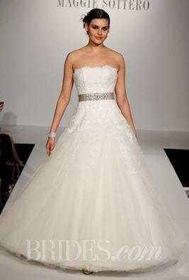 nový model svatební šatů Maggie Sottero Nadia b9bc82e286f