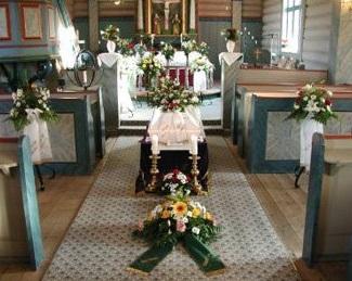 Vyřízení kremace, pohřbu v kostele včetně tisku parte, květin, autobusu
