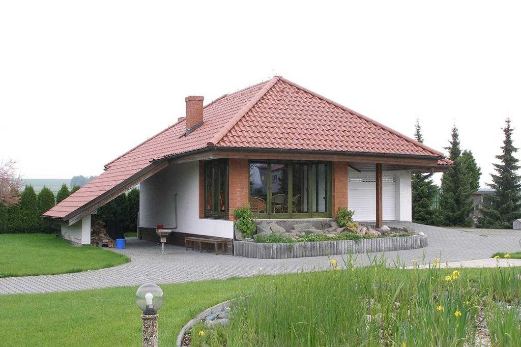 Povrchová úprava oken i vchodových dveří ze dřeva Ostrava