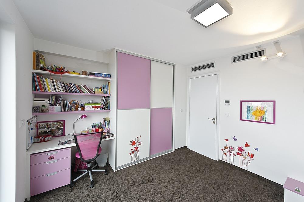 Dětský pokojíček - vestavěný nábytek Zlín