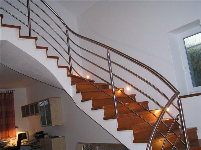 Nerezové zábradlí a schodiště