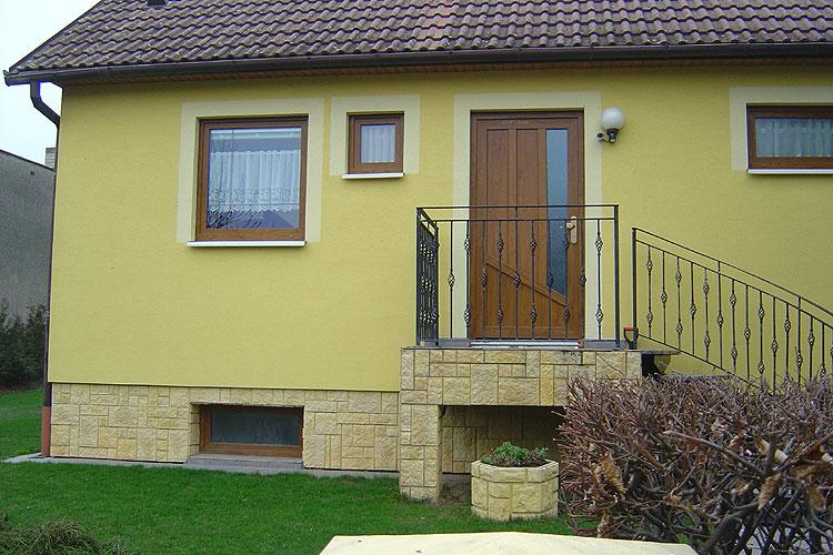 Výměna vchodových dveří u rodinných domů OKAL - s dveřmi SULKO bude váš dům bezpečnější
