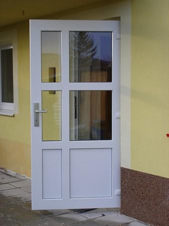 Výměna dřevěných vchodových dveří Jeseník, Brno