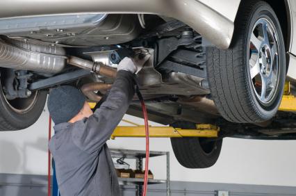 Pneuservis pro motocykly a nákladní automobily, uskladnění pneumatik