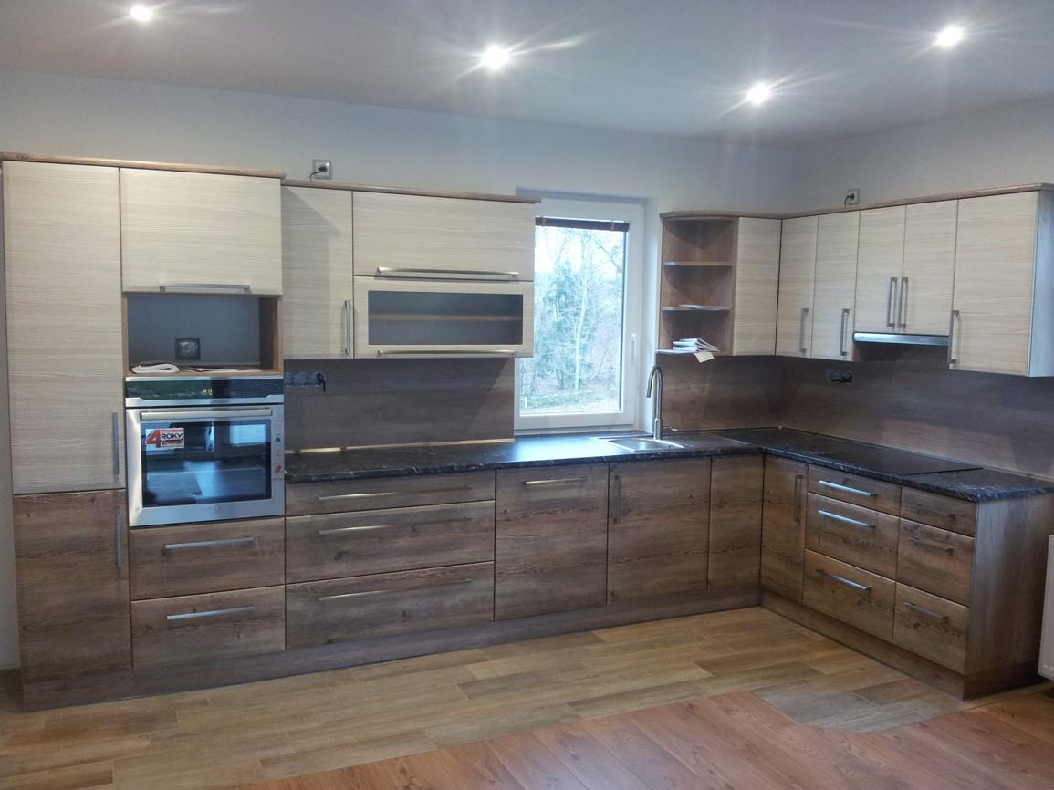 Truhlářské práce, truhlářství, dřevěné dveře, kuchyně na míru, vestavěné skříně