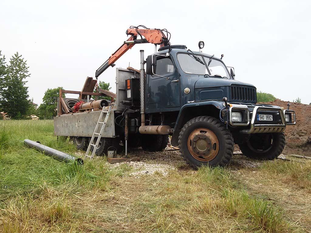 Podvrty pod silnicí, zemní protlaky, bezvýkopové technologie vedení potrubí