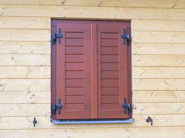 Dřevěné a moderní okenice