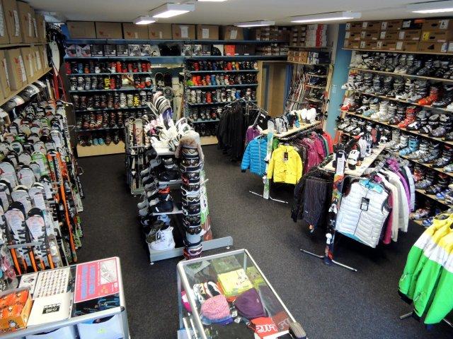 Zapůjčení, prodej nových, použitých lyží, snowboardů - půjčovna lyžařského vybavení a servis