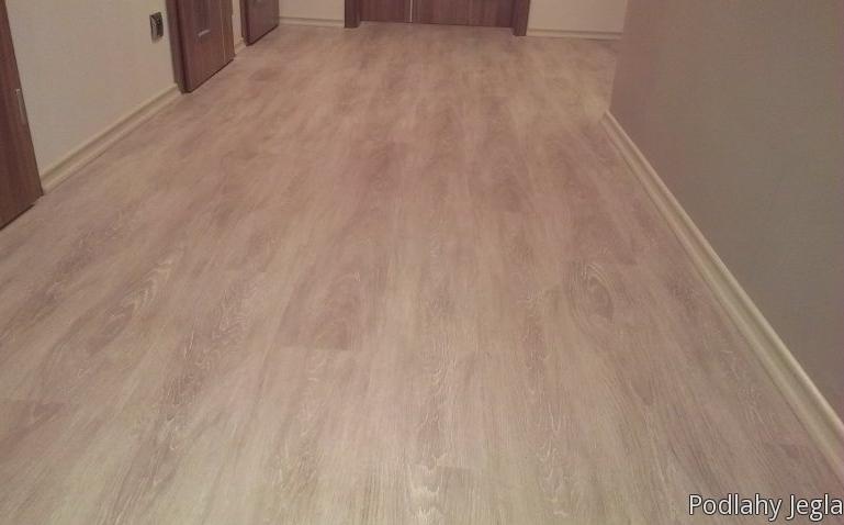 Prodej podlahovin, které lze dobře udržovat a poradenství jak správně volit