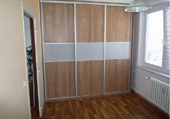 Výroba vestavěných skříní na míru Třebíč