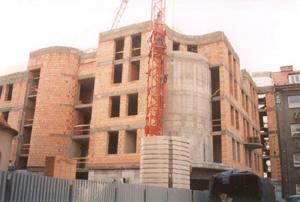 Stavby z železobetonu vytvořené pomocí monolitické, montované technologie