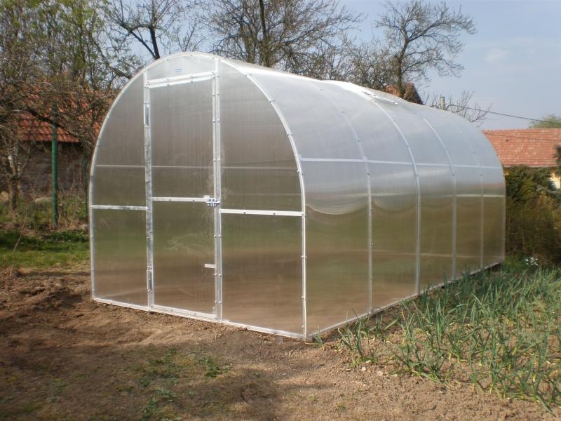 skleník typu oblouk