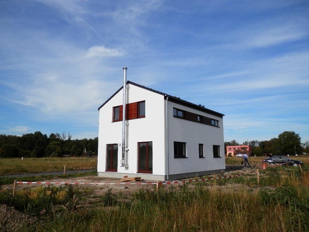 Prodej rodinné montované domy za cenu bytu, stavební parcely v lokalitě Holešov-Dobrotice