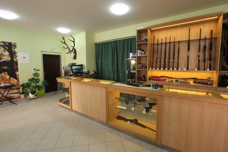 ROYAL HUNT - lovecké potřeby, zbraně, střelivo a doplňky pro volný čas, myslivost, sport i obranu Beroun