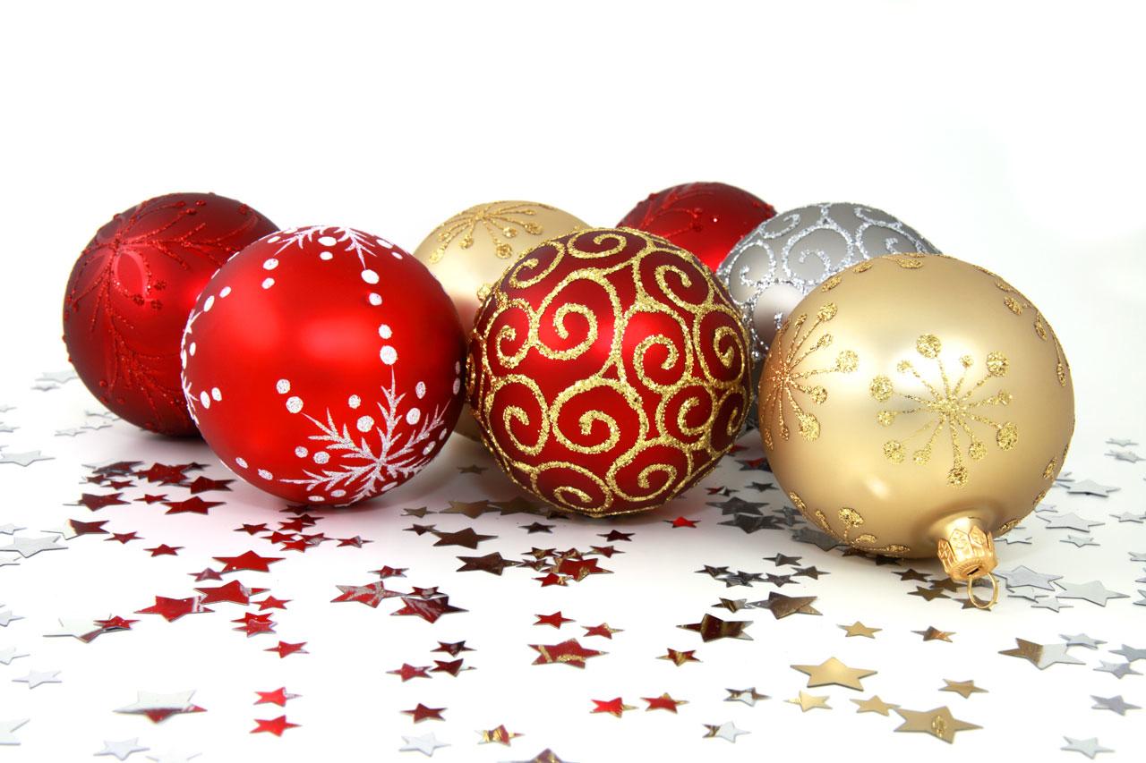 Vánoční baňky, umělé stromky a krásné dekorace - vše pro kouzelné Vánoce