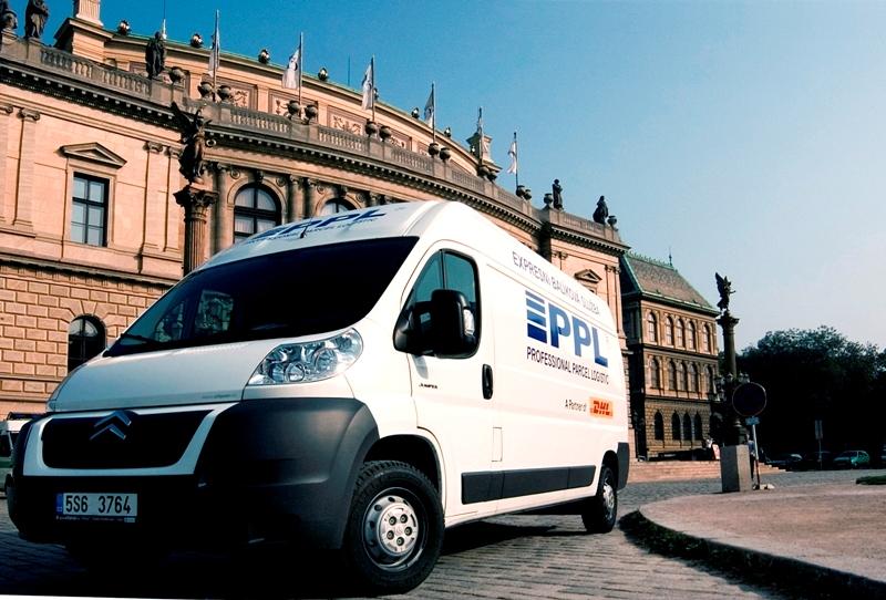 Vnitrostátní expresní přeprava zásilek a balíků pro firmy a soukromé osoby