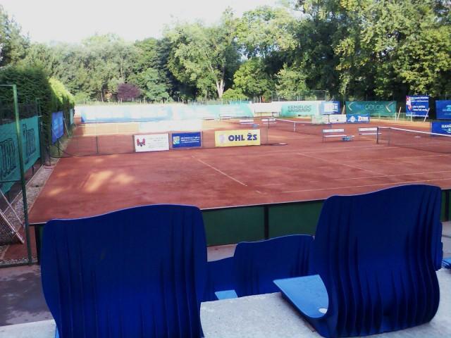 Sportovní stadiony, tenisové kurty Přerov