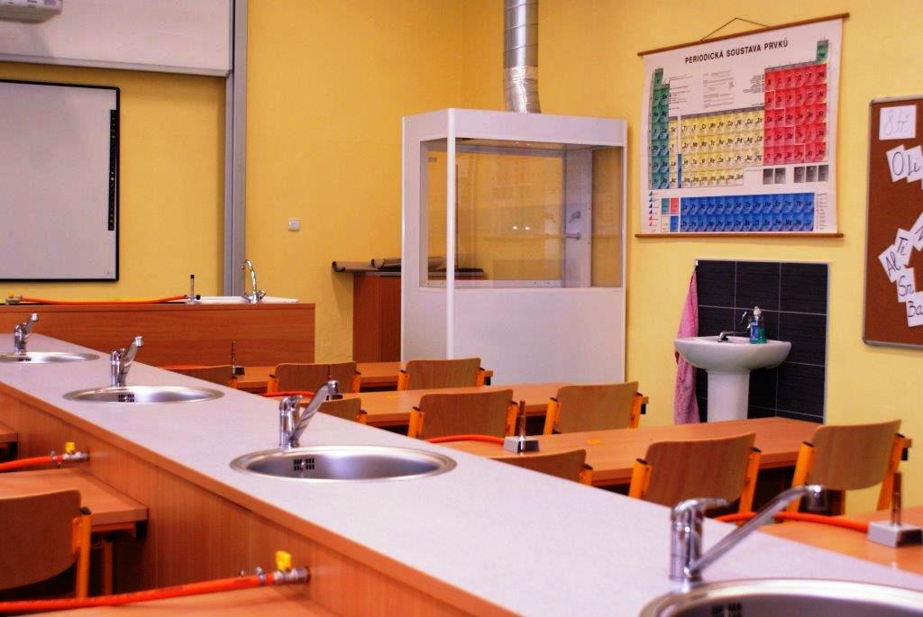 Návrhy učeben pro výuku chemie a fyziky Olomouc, Jeseník
