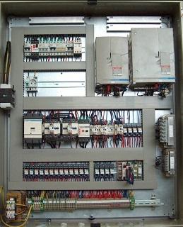 Elektrické rozvaděče pro zdvihací zařízení - profesionální montáž, servis i revize