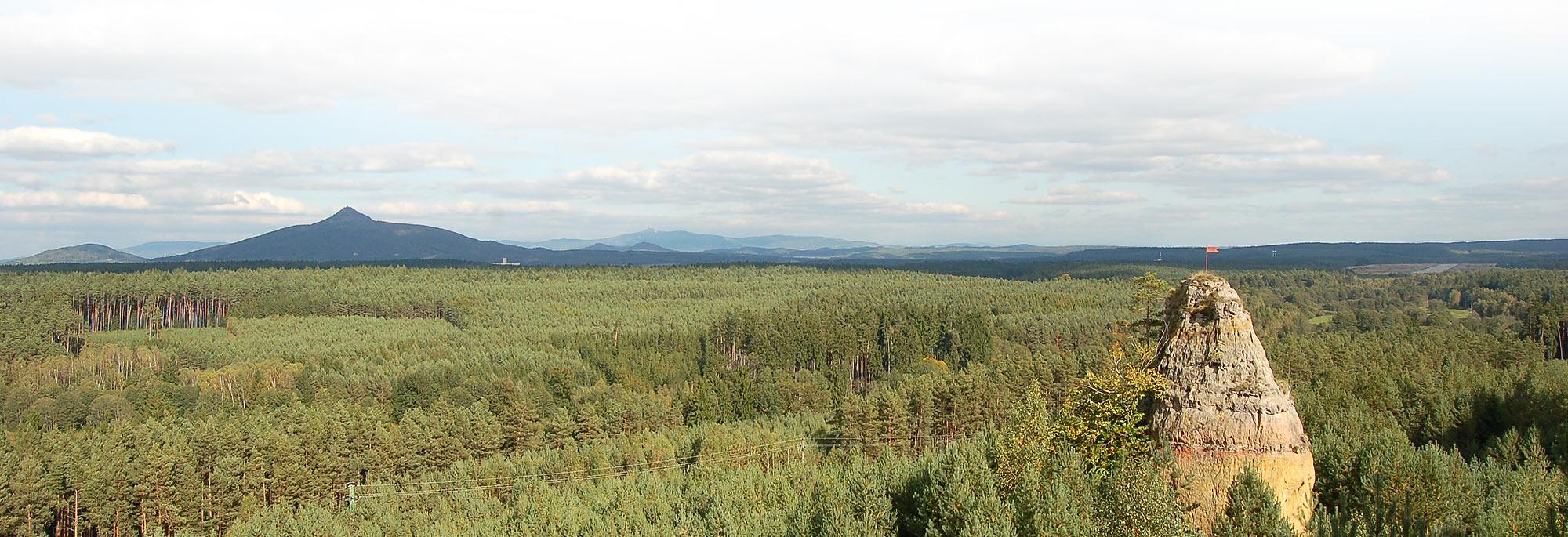 Město Ralsko, turistická rekreační oblast s čistou přírodou pro turisty, cyklisty, in-line bruslaře a vodáky