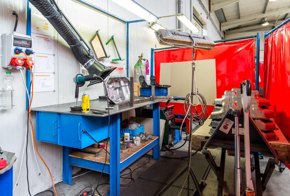 MIG svařování Chomutov - svařování kovů v ochranné atmosféře inertním plynu