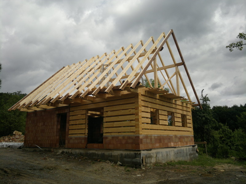 Technický a stavební dozor provede Ing. Tomáš Nedomlel - N-WOOD s.r.o.