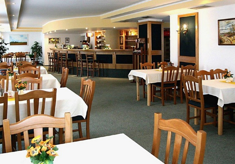 Accommodation Lednice na Morave - perfect comfort and restaurant, castle hotel Czech Republic