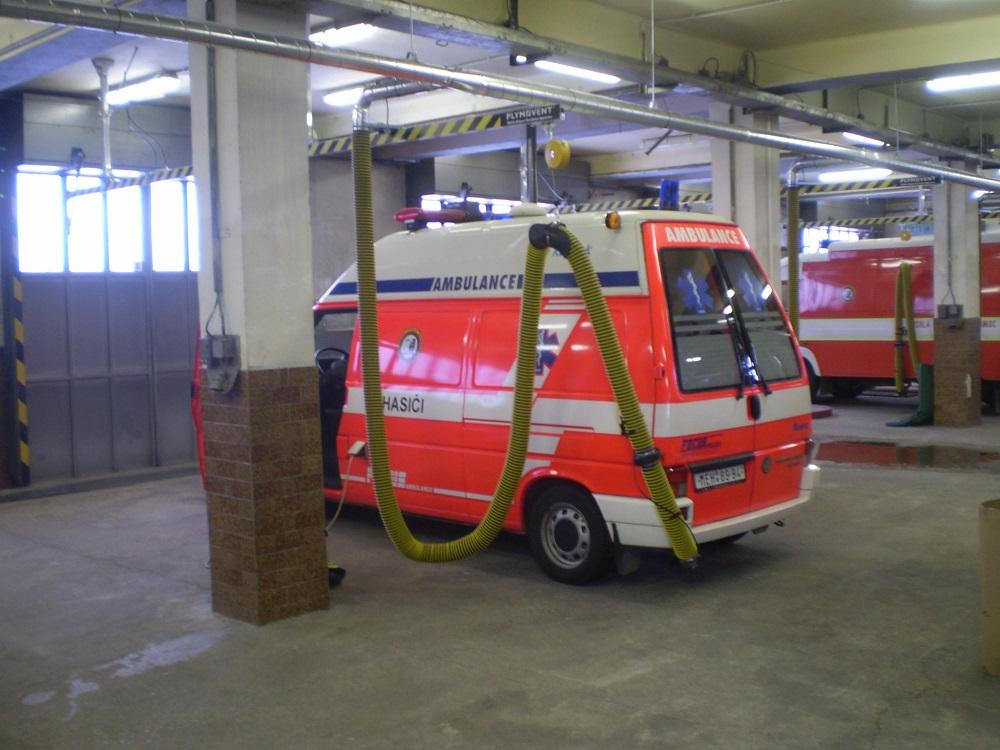 Průmyslové odsávání vzduchu pro hasičské zbrojnice
