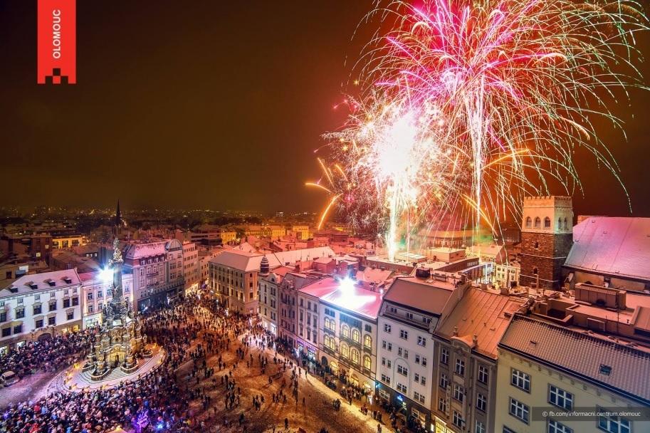Novoroční ohňostroj v Olomouci s bohatým programem pro rodiny s dětmi