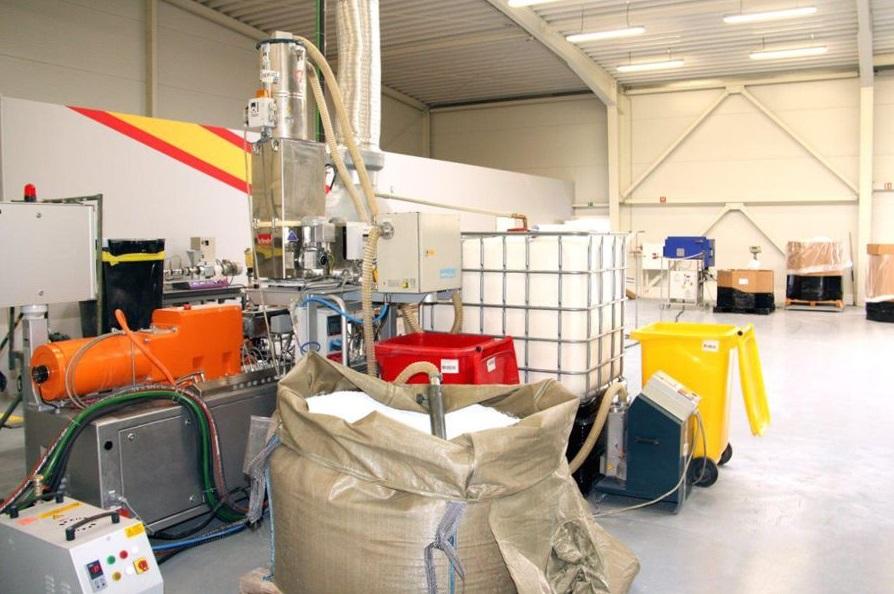 výroba plastových compoundů