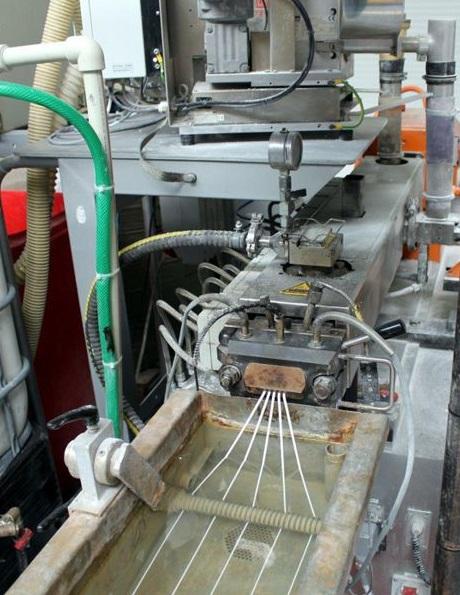 compoundace plastových materiálů