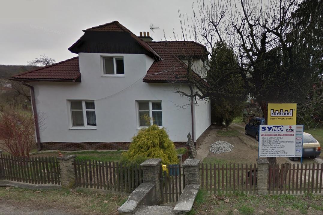 Nouzové otevírání dveří, bytů v lokalitě Zlín, Holešov, Vizovice a výroba klíčů, autoklíčů, opravy zámků